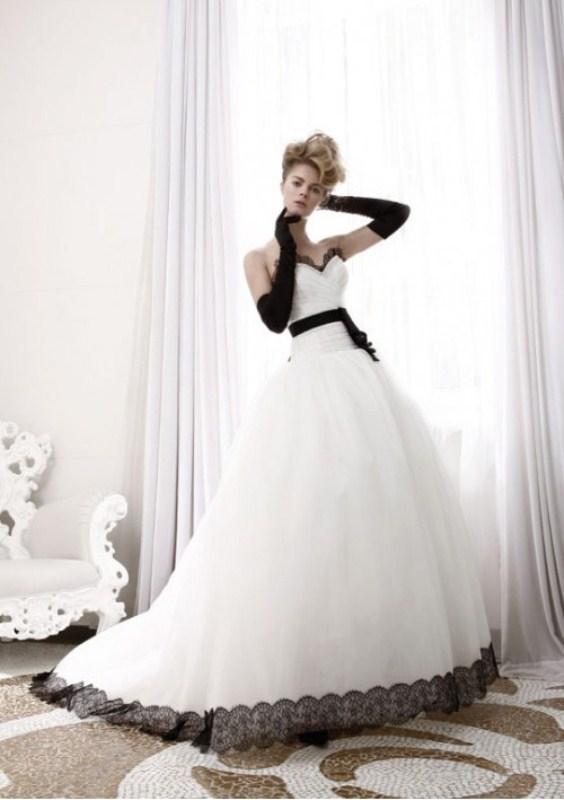 vestidos de novia goticos con blanco